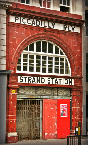 Aldwych_tube_station -The Strand-